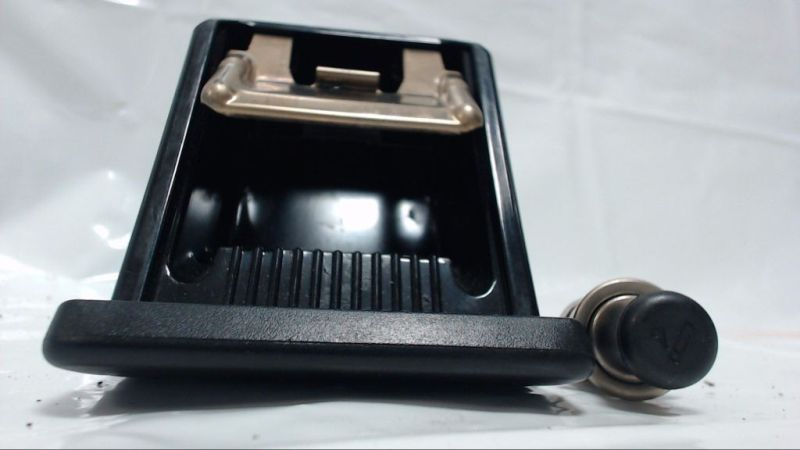Aschenbecher mit AnzünderMAZDA 626 2.0 EXCLUSIVE