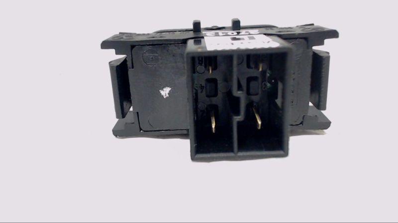 Schalter PDC EinparkhilfeMERCEDES-BENZ E 200 CLASSIC
