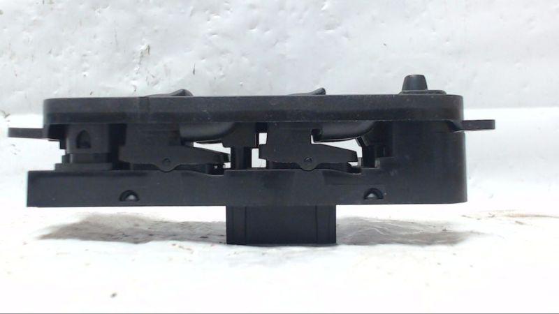 Schalter Fensterheber links vorn VOLVO V50 (MW) 2.0 D