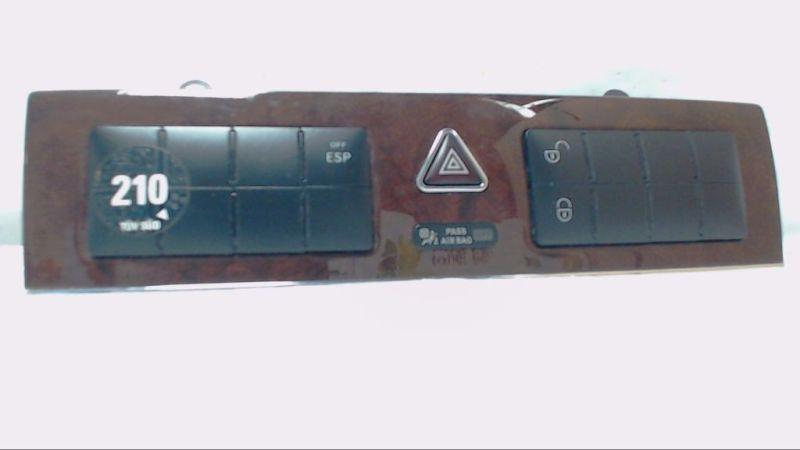 Schaltereinheit Warnblinker ESP ZV - WurzelholzMERCEDES-BENZ C-KLASSE T-MODEL (S203) C 220 CDI