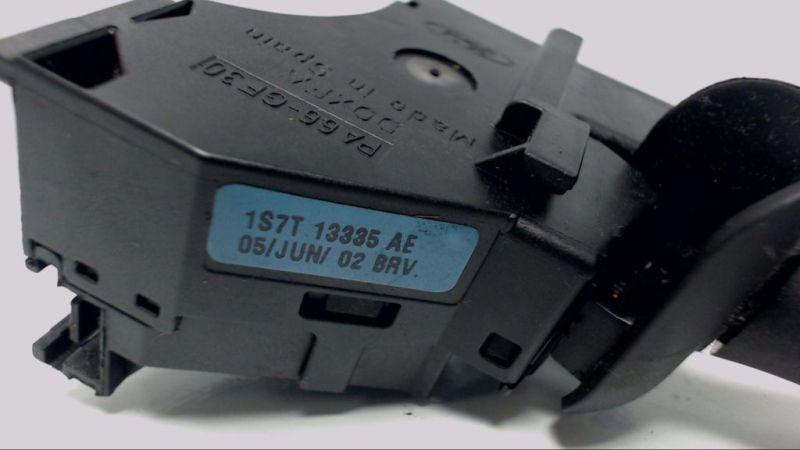 Blinkerschalter FORD MONDEO III KOMBI (BWY) 2.0 16V
