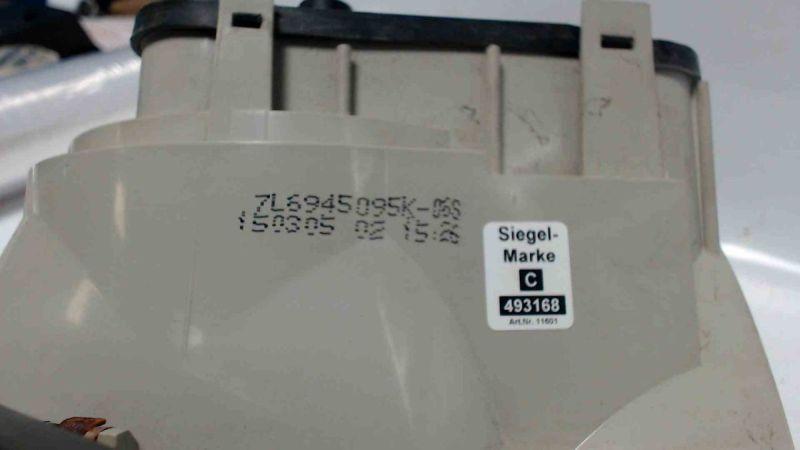 Rückleuchte aussen links mit LampenträgerVW TOUAREG (7LA, 7L6, 7L7) 2.5 R5 TDI