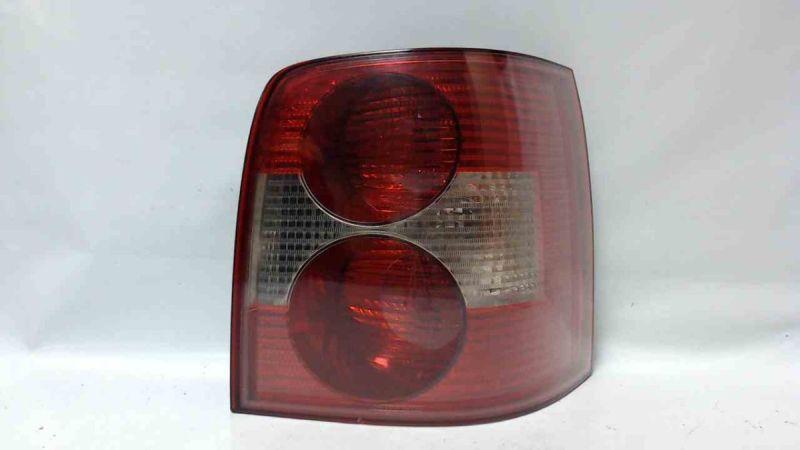 Rückleuchte rechts Heckleuchte mit LampenträgerVW PASSAT VARIANT (3B6) 1.9 TDI